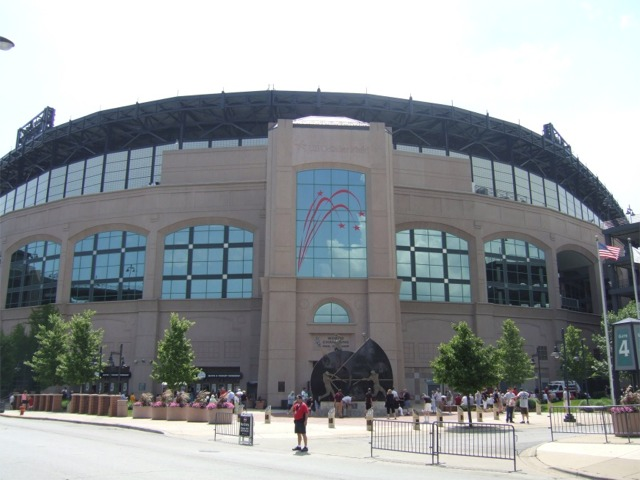 guaranteed rate field pictures