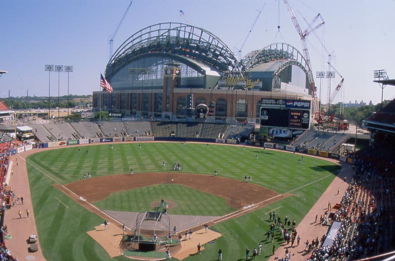County Stadium History Photos And More Of The Milwaukee